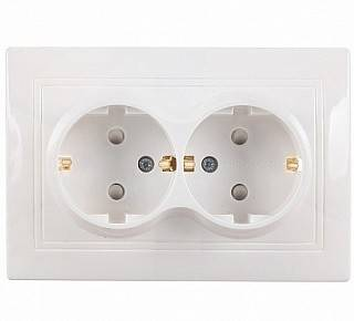 Розетка двойная Таймыр белая  2П+З с защитными шторками 16А 250В TDM Фотография_0
