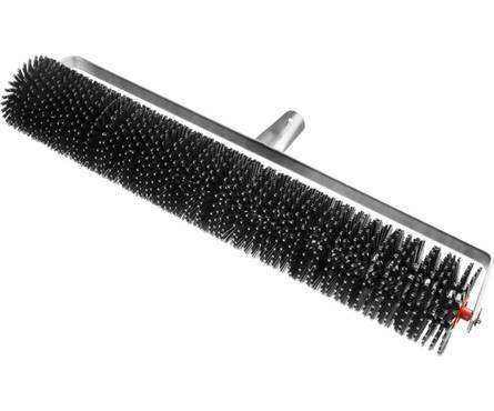 Валик Зубр Мастер игольчатый для наливных полов на металлической рамке иглы 27мм